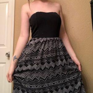 Dresses & Skirts - Black and white strapless dress